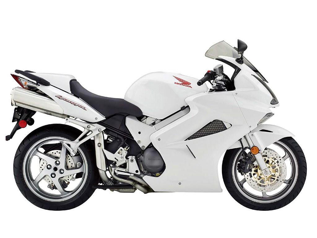 Honda+Vfr800 Honda Vfr800 http://www.2ri.de/Bikes/Honda/2006/VFR800